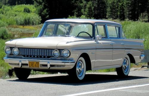 1961-Rambler-Classic-Custom-6-4-door-Sedan