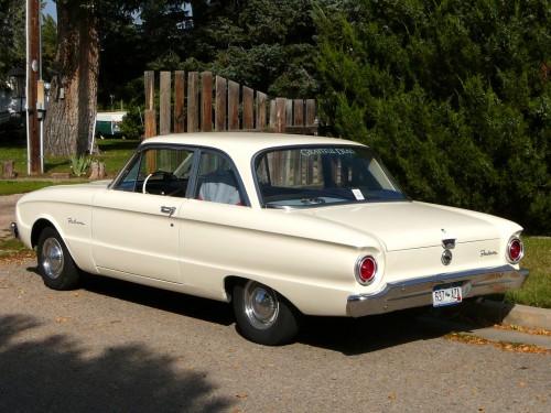 1960_Ford_Falcon_