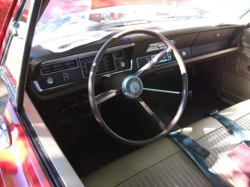 1968_Valaint_100_interior