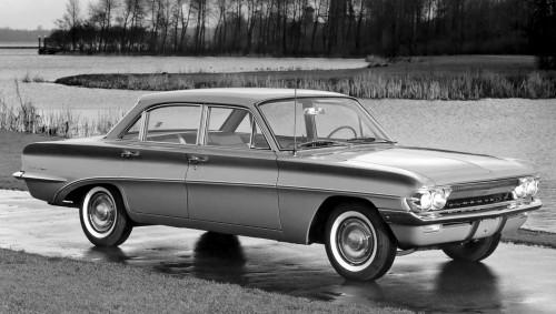 1961_F-85_4_door