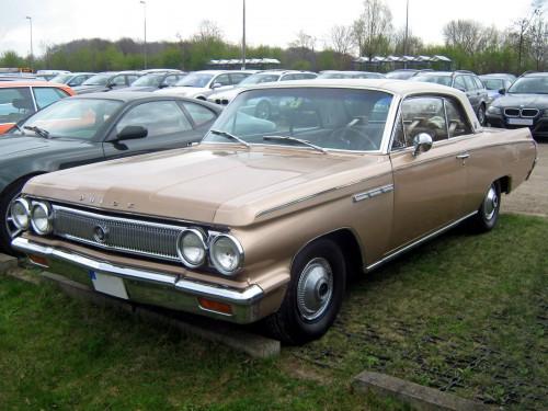 1963_Buick_Skylark_2T_Hardtop_Coupé_Front